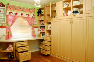 Horizontal Murphy bed with side drawers